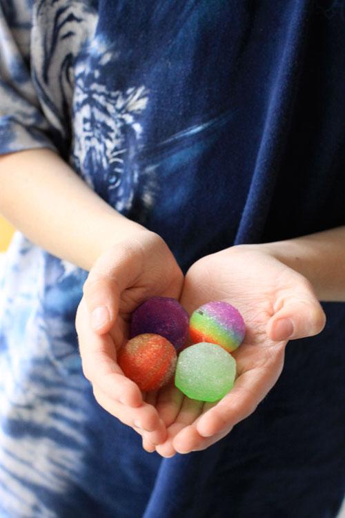 Bouncyballs
